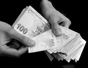 Обвал турецкой лиры перекинулся на российской рубль
