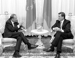 Виктор Ющенко пообещал коллегам из ЕС, что досрочные выборы на Украине «будут честными и прозрачными»
