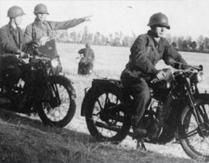 Полк советских мотоциклистов успешно работал по немецким тылам и спас целую стрелковую дивизию от гибели