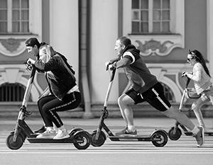 Самокаты стали новым явлением российской городской жизни