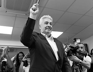 Премьер Черногории Здравко Кривокапич говорит, что «никому ничего не обещал». Но имеет в виду только Россию