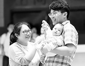 Разрешение заводить третьего ребенка опоздало на десятилетия