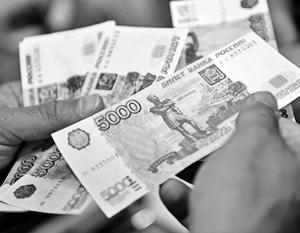 Рубль явно слабей, чем можно было ожидать при такой рыночной конъюнктуре, считают эксперты