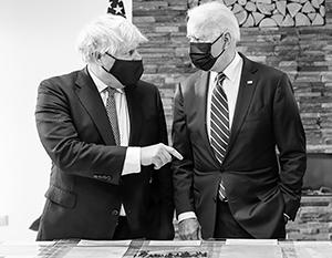 Джонсон и Байден подписали «безумно пошлый» документ