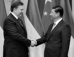В свое время «многовекторность» продвигал Янукович. Зеленский идет по его стопам
