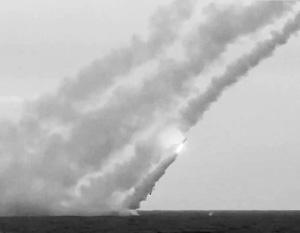 Залповый пуск ракет из-под воды требует особой техники и особого мастерства