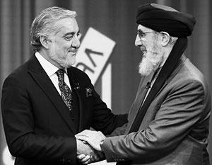 Гульбеддин Хекматияр (справа) и Абдулла Абдулла рассчитывают снова вернуться к власти, но уже с помощью талибов