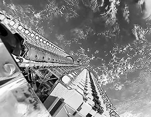 Спутники Starlink собраны вместе перед запуском