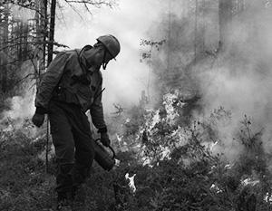 Пожарные успешно справлялись сами – но для борьбы с последствиями пожаров потребовались усилия добровольцев