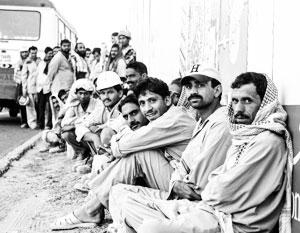 В Эмиратах мигранты из Южной Азии составляют более 80 процентов жителей