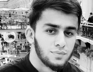 Таджикский блогер извинился за оскорбляющее чувства верующих фото в центре Москвы