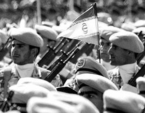По численности личного состава и количеству бронетехники иранская армия заметно превосходит азербайджанскую