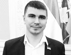 Поляков рассказывал о пачках наличных, которыми поощряют депутатов от правящей партии