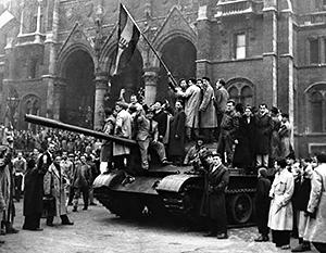 Общий счет жертвам восстания - порядка 3500 человек. Почти 700 из них - советские солдаты