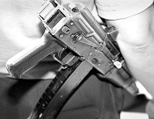 Неустановленные лица из автоматического оружия совершили обстрел автоколонны