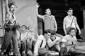 Сцена из спектакля «Повелитель мух»