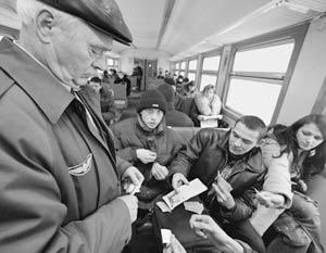 Льготу по проезду в пригородном железнодорожном транспорте планируется полностью монетизировать в 2007 г