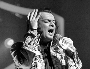 Филипп Киркоров признался, что только сейчас по-настоящему петь и научился