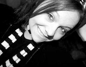 Эшли делала дизайн для страниц своих друзей, размещаемых на Myspace.com