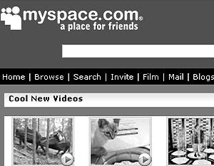 Все большее число нанимателей заглядывает на Facebook и MySpace