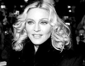 На пресс-конференции Мадонна намекнула, что и ей приходилось нелегко одной в большом городе и без цента в кармане