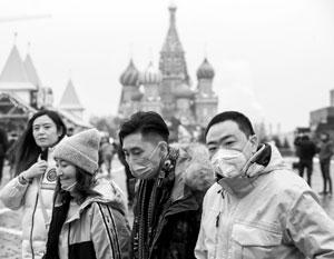 Китайцы, которые успели приехать в Россию, оказались в центре внимания наших медиков
