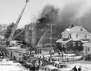 В трехэтажном жилом здании в городе Бергенфилд (Bergenfield) во вторник в 09.45 по местному времени произошел взрыв