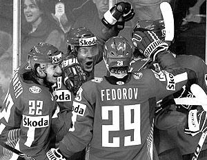 Российские хоккеисты возглавляют свою группу