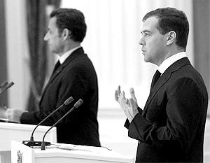 Дмитрий Медведев и Николя Саркози во время совеместной пресс-конференции