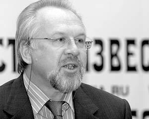 Главный редактор газеты «Московский комсомолец» Павел Гусев уверен, что стране необходим Кодекс чести журналиста