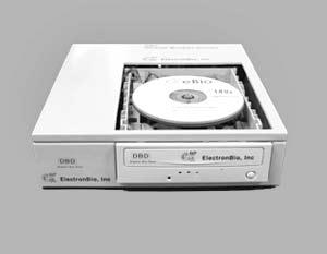 В комплект входят напоминающий обычный CD «цифровой биодиск» (Digital Bio Disc) и специальный проигрыватель для него