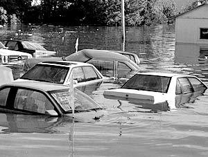 На российский рынок подержанных автомобилей могут попасть машины, затонувшие во время урагана «Катрина»