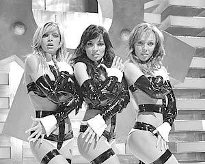 До недавнего времени одной из самых востребованных в России поп-групп была «ВИА Гра»