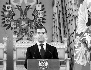 Медведев подчеркнул, что спортсмены «показали великолепное мастерство, завоевав высокие награды и установив 18 новых мировых рекордов»