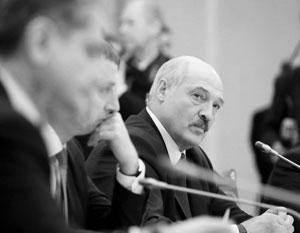 Лукашенко надо согласиться на создание структур, которые его ограничат