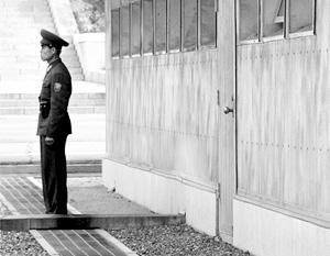 Официальный Пхеньян заявил о своем намерении закрыть с 1 декабря пограничные переходы со своим южным соседом