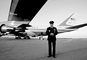 Air Force One - самолет американского президента Джорджа Буша