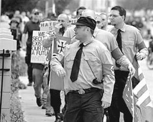 В шествии неонацистов в США приняли участие около 30 человек