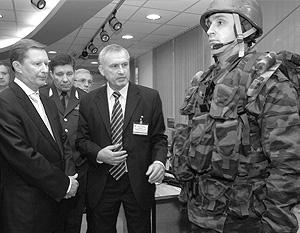 Сергей Иванов уверен, что будущее российского вооружения – в развитии нанотехнологий