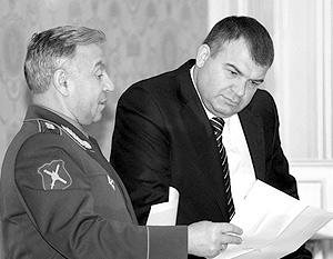 Глава Генштаба Николай Макаров и министр обороны Анатолий Сердюков – основные действующие лица реформы армии