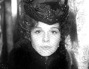 По версии Соловьева, Анну Каренину под поезд толкнул морфий