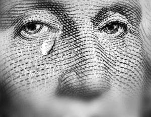 Американская валюта подвергается беспрецедентному давлению
