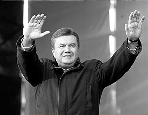 Ему почти 59 лет, он возглавляет крупнейшую на Украине партию, имея за плечами самый высокий рейтинг и две судимости