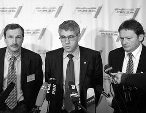 На протяжении всех переговоров с «Яблоком» сопредседатели «Правого дела» придерживались разных позиций
