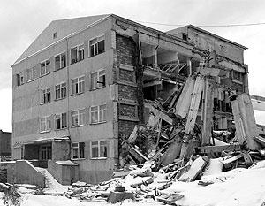Землетрясения на Сахалине разрушили дома, но подарили РФ дополнительные квадратные километры
