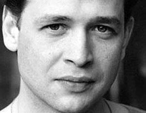 В списках Костромского театра актер уже не значится