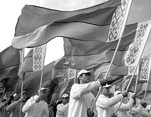 Чиновники настаивают, что страну везде должны называть Беларусь