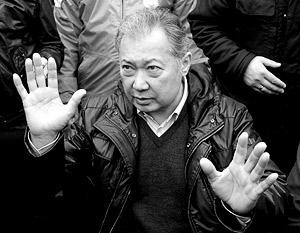 Курманбек Бакиев хочет поторговаться с новой властью