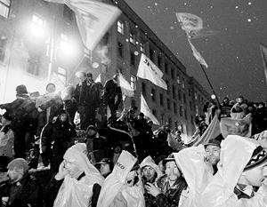 Ожесточенность противостояние на Украине разных политических сил  ведет страну к федерализму