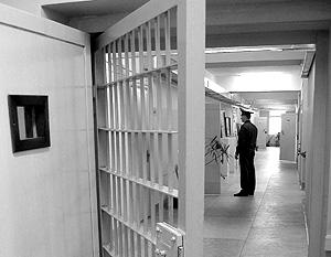 Если следователь просит посадить подозреваемого, ему обычно не отказывают